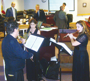 Members of the South Florida Chamber Ensemble perform a Random Act of Culture.